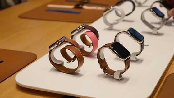 Os modelos Apple Watch Series 4 contêm baterias menores